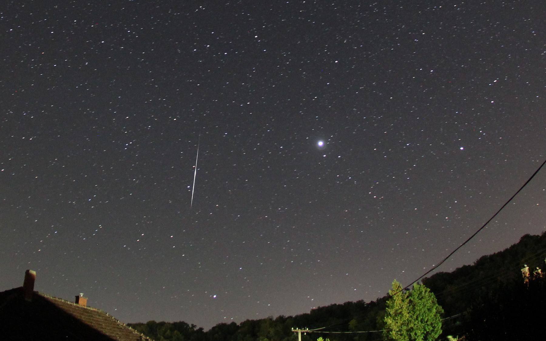 Sporadikus meteor az Aqr-ban