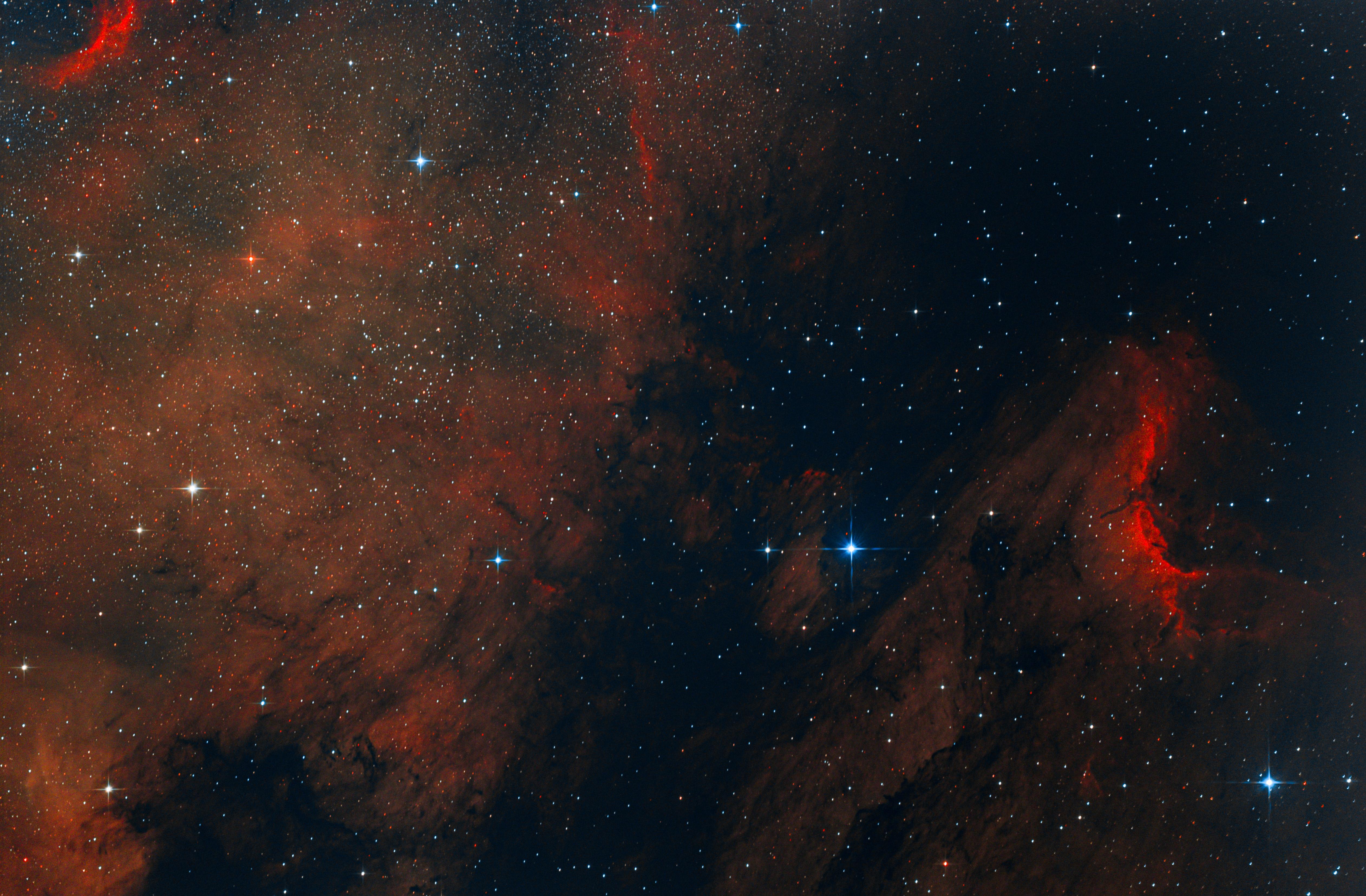 IC5070 - Pelikán köd